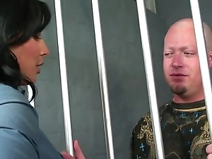 Busty Bootylicious Jail Stand up for Fucks Fat Cock