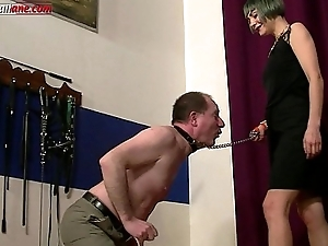 Along to Professionist 3- Footdomination