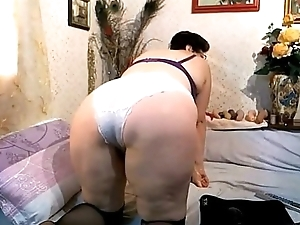 Hairy matured cambitch marauding and teasing. More at 747cams.com