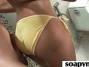 AMAZING body in a hawt soapy massage 27