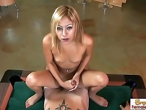 Perfect handjob session everywhere a mephitic comme ‡a slut