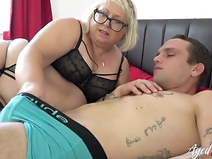 Fat mature bitch with pierced cunt blows younger beggar