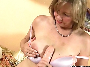 American milf Lacy plays more her matured cum-hole